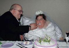 How Not To Take A Wedding Photo! - http://bit.ly/1rtuJ7W