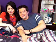 Tv Couples, Cute Gay Couples, Icarly And Victorious, Nathan Kress, Sam And Cat, Miranda Cosgrove, A Series Of Unfortunate Events, Childhood, Stars