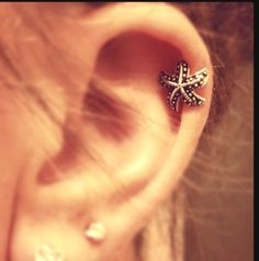 Too cute! I love this cartilage earring :)