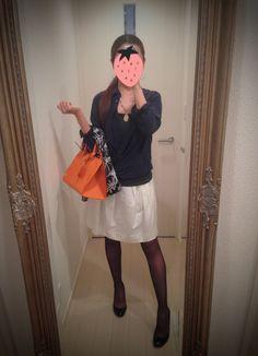 Navy blue silk shirt + white fluffy skirt + Inner T charcoal gray + orange bag + black heels - http://ameblo.jp/nyprtkifml