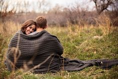 Top 11 Fun and Eye-Catching Engagement Photo Poses - - Top 11 Fun and Eye-Catching Engagement Photo Poses – - Engagement Photo Props, Winter Engagement Photos, Engagement Outfits, Engagement Pictures, Engagement Session, Country Engagement, Beach Engagement, Engagement Ideas, Engagements