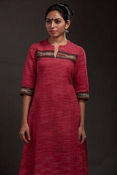 Forest Cherry Khadi Kurta – The Kaithari Project Salwar Neck Designs, Churidar Designs, Kurta Neck Design, Dress Neck Designs, Kurta Designs Women, Blouse Designs, Khadi Kurta, Salwar Kameez, Kaftan