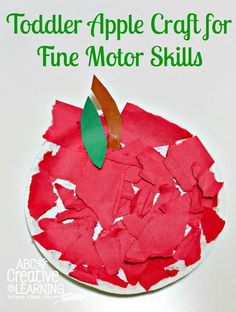 Paper Plate Toddler Apple Craft for Fine Motor Skills Practice! An easy, but fun craft to do with your preschooler. - abccreativelearning.com
