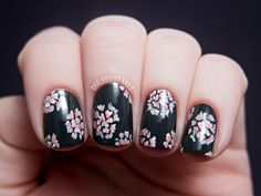 #AwesomeNailsAreAwesome Guest Week! Featuring Sarah of Chalkboard Nails | Let them have Polish!