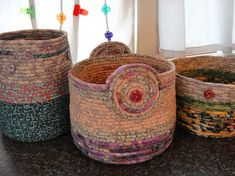 Variations of machine sewn rope baskets made by Linda Durrant using cotton clothes line rope wrapped with fabric. Rope Crafts, Diy And Crafts, Sewing Crafts, Sewing Projects, Fabric Bowls, Clothes Basket, Sewing Baskets, Christmas Wood, Fabric Scraps
