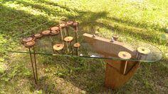 Столик кофейный -дуб,стекло спилы клёна и ножки шпильки(металл)