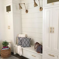 Love minus the gold.the_house_on_nottingham Shiplap mudroom entryway, white dove, transitional… Rustic Farmhouse Entryway, Farmhouse Ideas, Modern Farmhouse, Farmhouse Style, Mudroom Laundry Room, Ship Lap Walls, Entryway Decor, Entryway Bench, Entryway Ideas