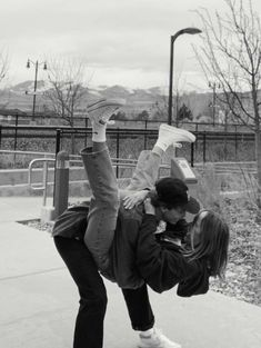 🦋- these pics are not my own! Relationship Goals Pictures, Cute Relationships, Cute Couples Goals, Couple Goals, Cute Couple Pictures, Couple Photos, Teenage Couples, The Love Club, Couple Aesthetic