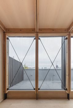 Growth under London& roof structures: conversion of a residential building Nicholas Szczepaniak Architects, Union Wharf, London Timber Architecture, Residential Architecture, Architecture Details, Architecture Today, Pavilion Architecture, Timber Structure, Boat Design, Contemporary Bedroom, Minimalist Home