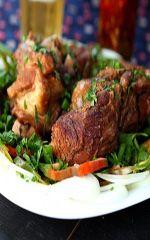 Receita de Joelho de Porco ao molho barbecue Saiba como preparar o prato joelho de porco com molho barbecue. Confira esta e outras receitas aqui no BaresSP!