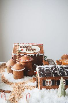 Build yourself a whole gingerbread farm!  Get the tutorial atMy Name is Yeh.