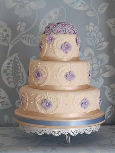 Beautiful Hydrangeas Wedding Cake/ This would be pretty in watermelon