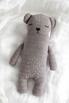 Budgettips - Baby Stuff (Trendenser) - Zuzanna Grusznis - Craft l craft PİN Sewing Toys, Baby Sewing, Sewing Crafts, Sewing Projects, Diy Crafts, Softies, Plushies, Sewing For Kids, Diy For Kids