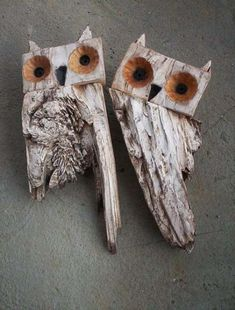 Chouette ou hibou par ashtray – rustic interior decoration - ALL ABOUT Driftwood Projects, Driftwood Art, Rustic Fireplaces, Owl Crafts, Farmhouse Christmas Decor, Rustic Christmas, Rustic Chandelier, Junk Art, Nature Crafts