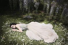 beautiful-dress-fairytale-forest-white-Favim.com-49588.jpg (500×333)