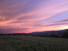 Pretty Sky, Beautiful Sunset, Beautiful World, Beautiful Places, Lilac Sky, Look At The Sky, Sky Sea, Sky Aesthetic, Scenery