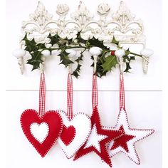 How to make festive felt Christmas tree decorations - Christmas Handmade Christmas Decorations, Felt Decorations, Felt Christmas Ornaments, Beaded Ornaments, Snowman Ornaments, Christmas Projects, Holiday Crafts, Homemade Christmas, Christmas Crafts