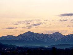 By maaaaachan21: おはようございます 今朝は色は薄いですが山がはっきり見えるので家を少し早く出ました笑  #山 #mountain #越後三山 #新潟 #Japan #morning #sunrise #favoriteplace #landscape #landscape #contratahotel