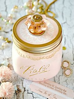 Mason Jar Craft is an adorable DIY Vintage Jar and Printable for the romantic bride! This jar is designed to give the bride the traditional wedding's keepsakes: something old, something new, something borrowed, and something blue. You can make this adorable gift in under thirty minutes and it is perfect for bridal showers… Too cute!