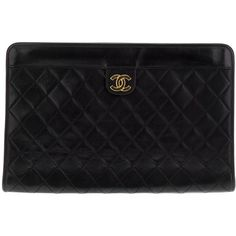 Chanel Vintage Quilted Leather Clutch (4 066 525 LBP) ❤ liked on Polyvore featuring bags, handbags, clutches, purses, bolsas, accessories, black clutches, black leather quilted handbag, black quilted leather purse and quilted leather handbags