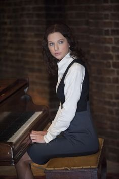 New picture of Taylor as Rosemary in The Giver.