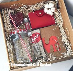 DIY Personalized Gift Baskets DIY Personalized Gift Basket For Anyone, Girlfriend, Kids, Mom Etc - Owe Crafts Teenage Girl Gifts Christmas, Cheap Christmas Gifts, Christmas Gift Baskets, Christmas Gift Box, Holiday Gifts, Kids Christmas, Diy Gift Box, Diy Gifts, Personalised Gifts Diy