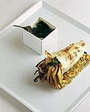 Calamaro alla griglia ripieno di carciofi