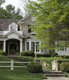 gorgeous exterior -- love the walkway