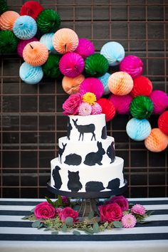 22 Adorable Spring Baby Shower Themes via Brit + Co Baby Shower Cakes, Baby Shower Themes, Baby Shower Decorations, Shower Ideas, Party Fiesta, Festa Party, Baby Shower Fall, Fall Baby, Colorful Baby Showers