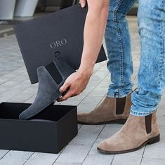 Chelsea boots in suede Chelsea Boots Outfit, Suede Chelsea Boots, Mens Chelsea Boots, Best Shoes For Men, Men S Shoes, Sneakers Shoes, Men Boots, Botas Chelsea, Boot Shop