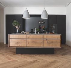 Grand Pattern Herringbone Floorboards by @dinesen & a bespoke kitchen made of Oak from @gardehvalsoe  #Dinesen #design