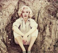 Marilyn Monroe by Milton H. Greene (10)