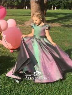 Girl Dress - Birthday Wedding Party Holiday Bridesmaid Communion Lace Tulle - June 15 2019 at Gowns For Girls, Little Girl Dresses, Girls Dresses, Flower Dresses, Pretty Dresses, Beautiful Dresses, Mode Outfits, Girl Outfits, Kids Gown