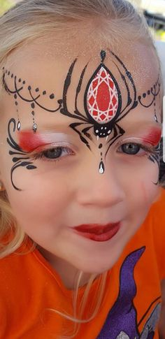 Jewel spider face design Source by Spider Face Painting, Face Painting Halloween Kids, Christmas Face Painting, Girl Face Painting, Face Painting Designs, Halloween Art, Body Painting, Halloween Facepaint Kids, Halloween Design