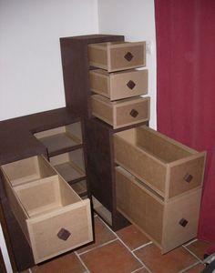 Tiroirs en carton ondulé pour les sacs et accessoires vestimentaires