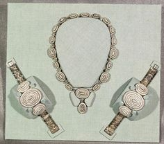 Mary Todd Lincoln's seed-pearl necklace and matching bracelets. The jewelry came to the Library of Congress in 1937 as part of the gift from Lincoln's granddaughter, Mary Lincoln Isham Tiffany records. Mary Todd Lincoln, Abraham Lincoln, Lincoln Life, Pearl Jewelry, Antique Jewelry, Vintage Jewelry, Pearl Necklace, American First Ladies, Tiffany & Co.