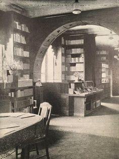 Königsberg i. Pr. - Buchhandlung Gräfe & Unzer am Paradeplatz 6, Durchblick zur Leihbücherei (Aufnahme 1922)