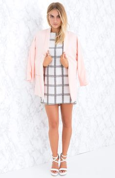 Compliment your winter wardrobe with your Show 'Em Up Blazer - perfect for when you need to show everyyybody up in style. We love wearing it in the evening over a LBD, strappy heels and a statement clutch for a totally chic, boss-lady look!