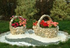 16 Inspirational DIY Garden Projects With Stone & Rocks - Diy Garden Decor İdeas Diy Garden Projects, Garden Crafts, Diy Garden Decor, Garden Art, Garden Ideas, Garden Decorations, Flower Decoration, Easy Garden, Dream Garden