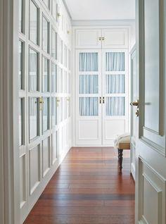 Armario-zona-de-paso Glass Closet Doors, Bedroom Closet Doors, Wardrobe Design Bedroom, Bedroom Furniture Design, Home Bedroom, Home Living Room, Living Room Designs, Wardrobe Closet, Bungalow Haus Design