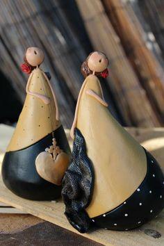Fado singers in clay by Vanda Palma - Alentejo, Portugal
