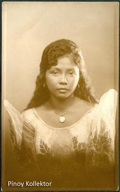 A true Filipina beauty. Pi Art, Model Minority, Face Study, Filipino Culture, Filipina Beauty, Filipiniana, India, Photo Postcards, Pinoy