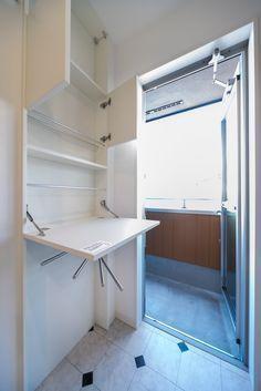 EIDAI(エイダイ)パウダールームプランスリムインタイプ・・・壁の厚みを利用して埋め込みタイプの収納 奥行き13cmで、ニッチのように壁を凹ませて設置するため、少しだけ壁面から出るように取り付けが可能です。大きく出っ張りません。 #パウダールームプランスリムインタイプ #エイダイ #物干し #EIDAI #スリムインタイプ #室内物干し #パウダールーム #タオル #洗濯物 #洗濯置き場