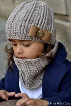"""Mütze-Schal-Set häkeln - DIY-Cowl-Set ✿ Crochet the set of hat and scarf // Cowl """"Elite"""" yourself: ✿ Instructions for all sizes ✿ Get the crochet instructions for the set hat-scarf-cowl now. Baby Knitting Patterns, Knitting For Kids, Crochet Patterns, Crochet Baby Hats, Knitted Hats, Kids Crochet, Hat And Scarf Sets, Crochet Instructions, Crochet Tutorials"""