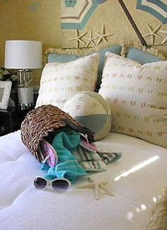 Scrapbook much?  Google Image Result for http://cf.ltkcdn.net/interiordesign/images/std/144538-308x425-beach_bedroom.jpg
