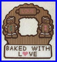 Everything Plastic Canvas - Gingerbread Wreath Baked With Love Plastic Canvas Stitches, Plastic Canvas Tissue Boxes, Plastic Canvas Crafts, Plastic Canvas Patterns, Picture Frame Ornaments, Clay Crafts For Kids, Plastic Canvas Christmas, Needlepoint Stitches, Beaded Crafts