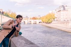 In Thomas' photography guide for beginners, Thomas shares his camera recommendations, essential gear, and top tips to get started. Photography Guide, Travel Photography, Photography Tutorials, Fuji Camera, Leica Camera, Paris Birthday, Ending A Relationship, Gal Meets Glam, Have Time