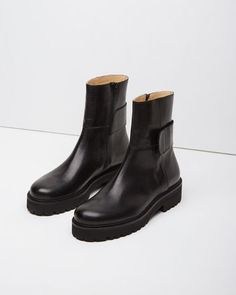 Women Boots Riding Boots Outfit Knee High Motorcycle Boots Lycra Knee High Boots Thigh High Boots Plus Size Outfit Shoes Boots Combat, Shoe Boots, Shoes Sandals, Shoe Bag, Ankle Boots, Riding Boot Outfits, Riding Boots, Winona Ryder, Look Vintage