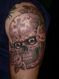 Skull tattoo by Chris Garver-funny, I'm watching Miami Ink as I write this. Dragon Tattoo Back, Dragon Sleeve Tattoos, Key Tattoos, Body Art Tattoos, Gypsy Tattoos, Arabic Tattoos, Turtle Tattoos, Crazy Tattoos, Chris Garver Tattoo