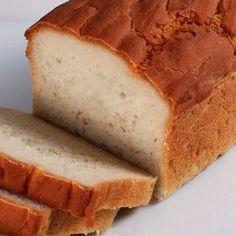 """Um pão fácil de fazer, saboroso e muito """"magro""""."""